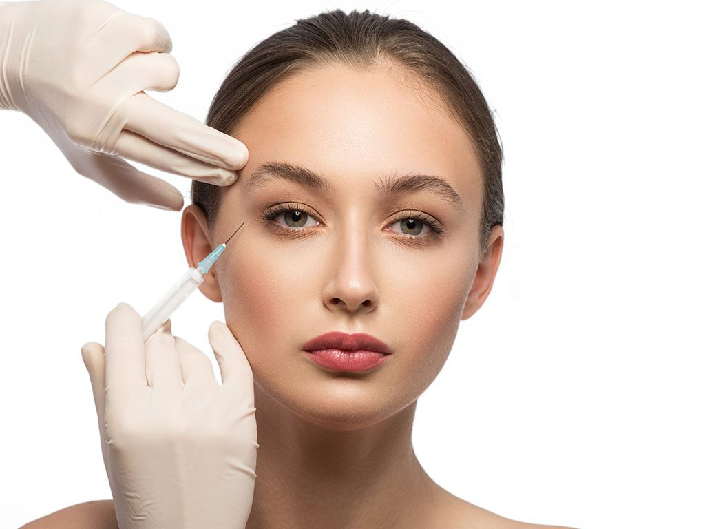 Mezoterapi gerekli bileşenlerin yüze ve vücuda enjekte edilmesidir.